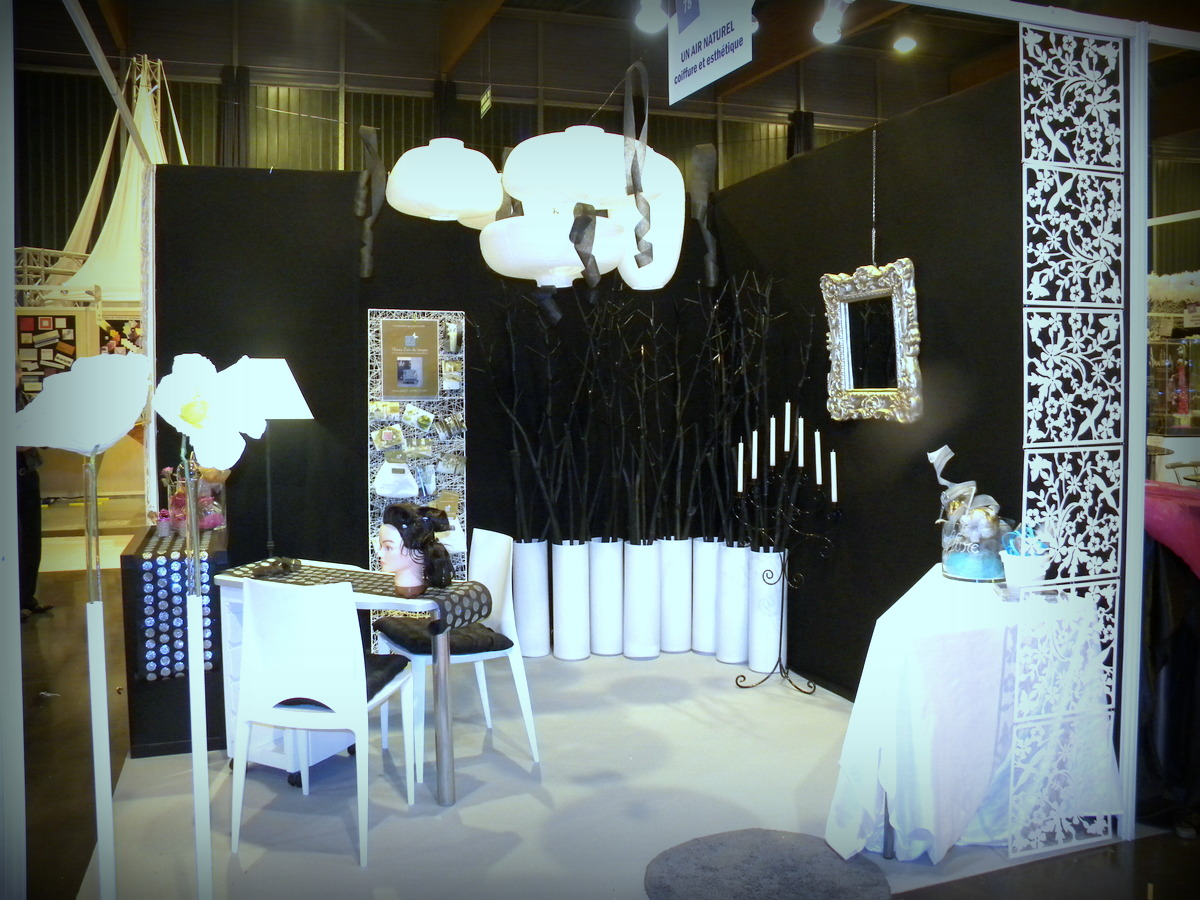 d coration d un stand coiffure esth tique sur le salon du mariage d arras 62. Black Bedroom Furniture Sets. Home Design Ideas